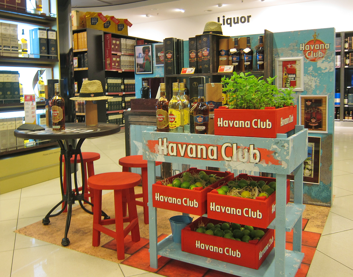 Havana Club Display simulating a pub